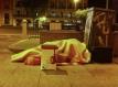 Deze dakloze gaat zijn geluk ergens anders beproeven