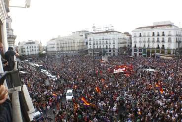 Puerta de Sol, juni 2014. Spanjaarden demonstreren tegen de monarchie en eisen de Derde Republiek